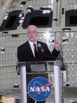 Mark Geyer, a Purdue graduate, has been named director of the Johnson Space Center in Houston.