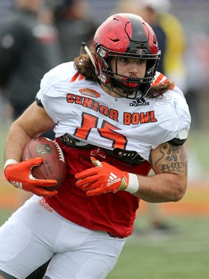 Nick Bawden of San Diego State runs after a catch during 2018 Senior Bowl practice at Ladd-Peebles Stadium.