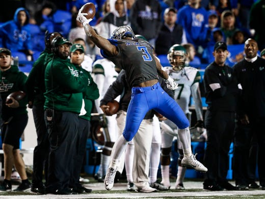 University of Memphis receiver Anthony Miller makes