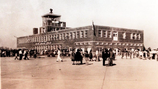 Greater Cincinnati Airport, now known as Cincinnati/Northern Kentucky International Airport, in the late 1940s. This building, which has been renovated several times, still stands as CVG's Terminal 1, which is closed to passengers but continues to house the airport's administrative offices.