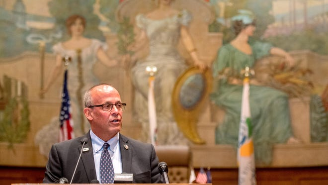 Peoria Mayor Jim Ardis announces his intention not to run for reelection this year during a news conference Wednesday at Peoria City Hall.