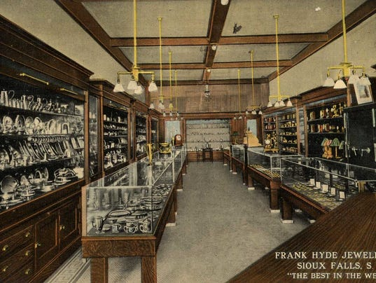 636524799957402097-Frank-Hyde-Jewelry-Co..jpg