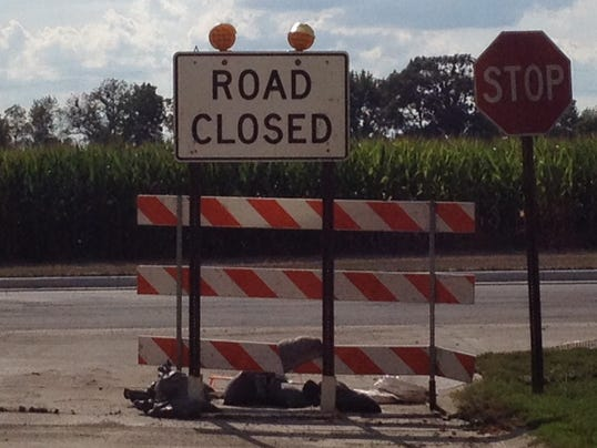 road closed sign.JPG