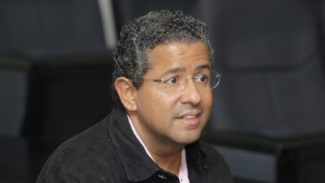 Flores, who ruled El Salvador between 1999 and 2004, was accused of crimes of corruption and disobedience.