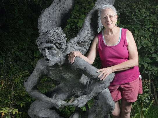 Jerri Scott bought this well-know statue, called UpDown,