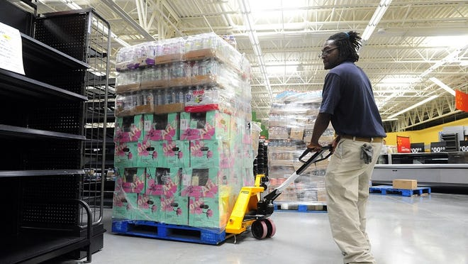 Walmart is hiring new workers as it prepares to open a new store in Murfreesboro.
