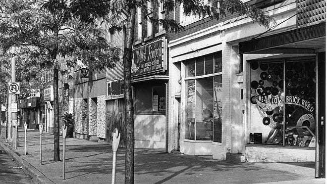The 500 block of East Michigan Avenue, September 1986.