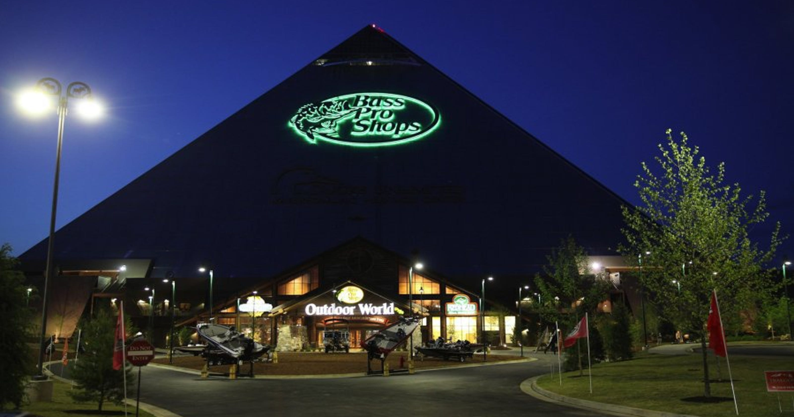 6c240c9b55 Bass Pro Pyramid takes in  56.3 million in first year