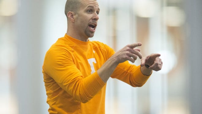 Tennessee wide receivers coach Zach Azzanni during practice on Thursday, April 7, 2016.
