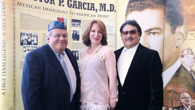 Rachel Denny Clow/Caller-Times Armando Oropez (from left), Lisa Mills and Pete Olivarez