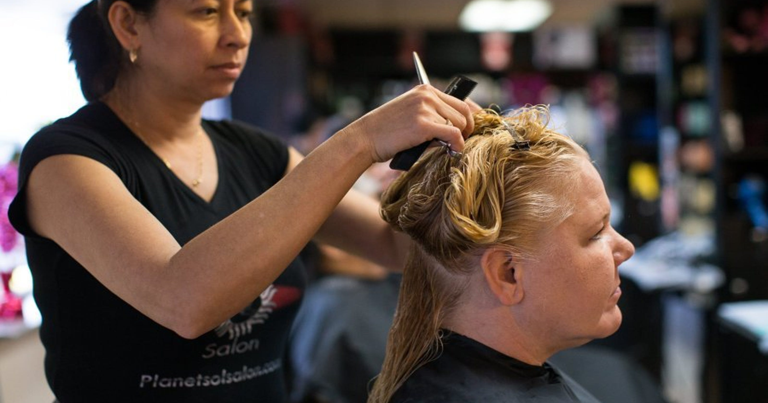 Planet Sol Salon Gives Free Hair Cuts To Homeless
