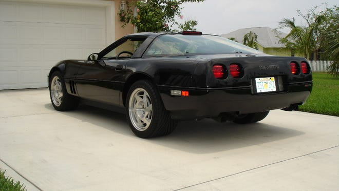 Here's the rare 1990 Corvette ZR-1 that our reader Vincent V., owned for several years. Its top speed was 172 mph, just a few short of the Lamborghini Countach that ran 179 that year.