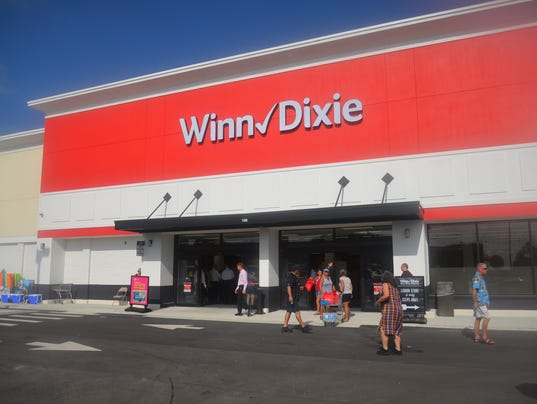 Winn Dixie opens