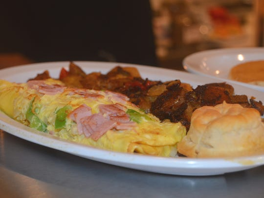 An omelet at the Fanwood Grille.