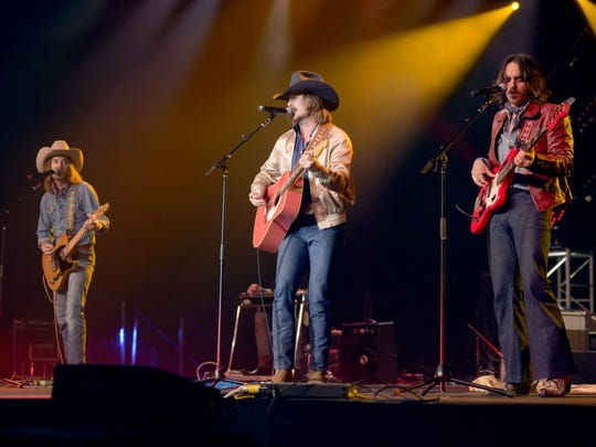 Hot country newcomers Midland open for Little Big Town