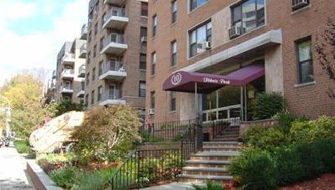 Tibbets Park Apartments in White Plains