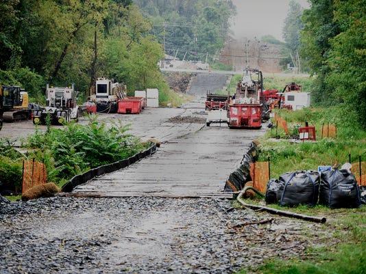 ldn-mkd-090517-Snitz-Creek-spill-03.jpg