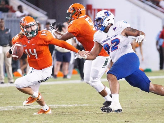 Tennessee State Defensive End Jason Morrow 92 Chases