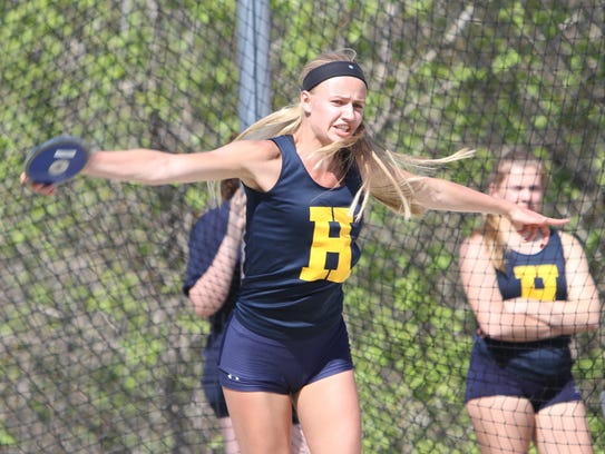 Lindsey Strutz has been scoring points in the discus
