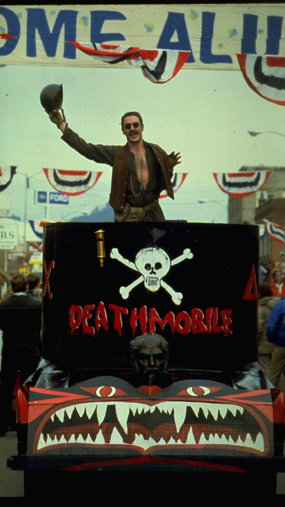 D-day (Bruce McGill) in the Deathmobile.
