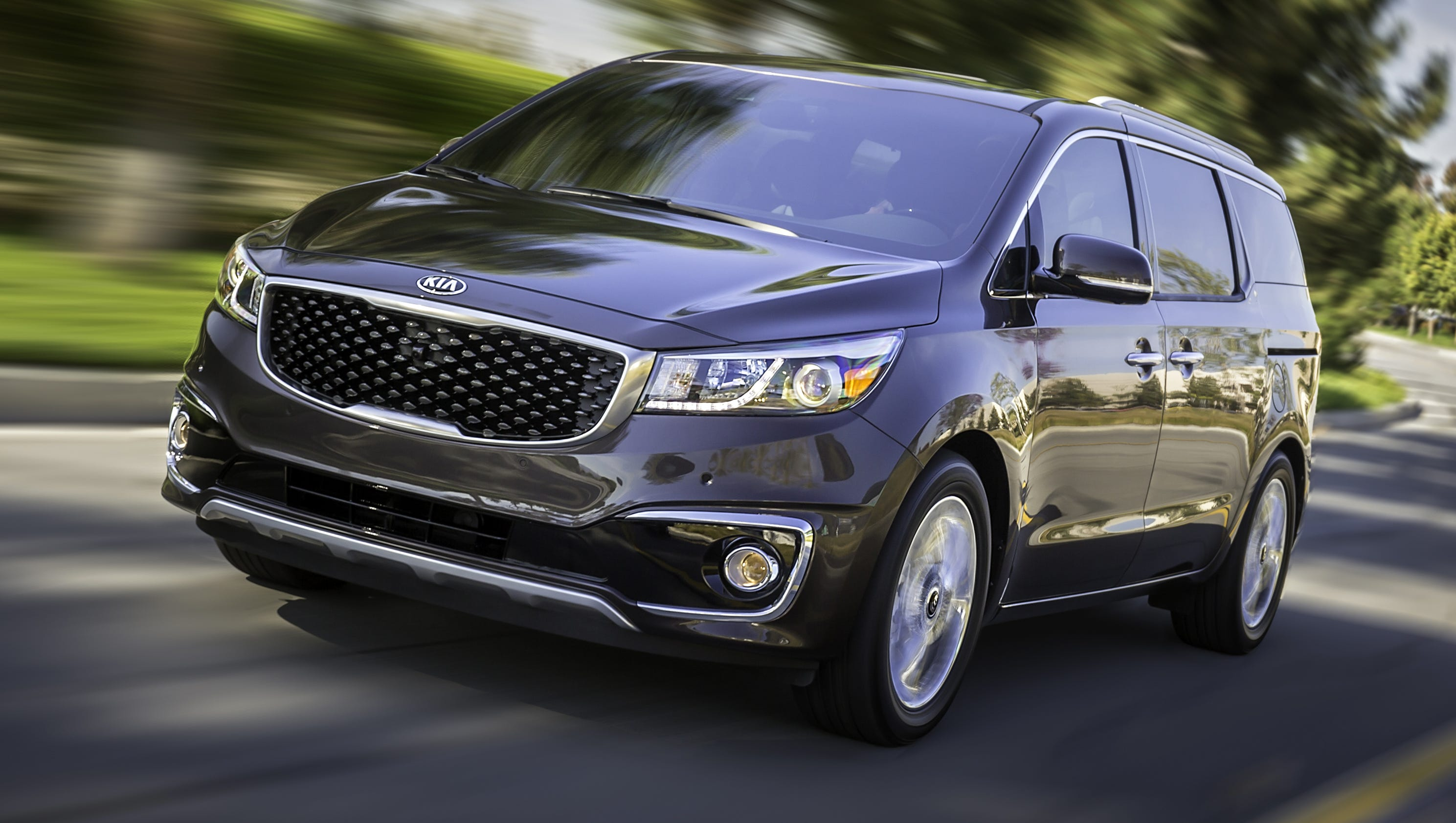 Uber Lux Cars >> 5 things to tempt you to spend $40K on Kia's minivan