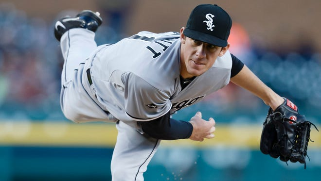 White Sox starting pitcher Chris Bassitt pitches in the first inning against the Tigers at Comerica Park.