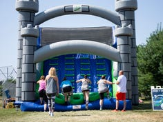 Love bouncy castles? Great Inflatable Race coming to Hendersonville 2019