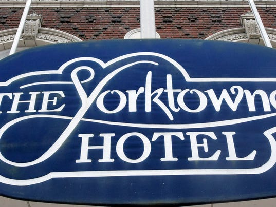 LOGO yorktowne hotel