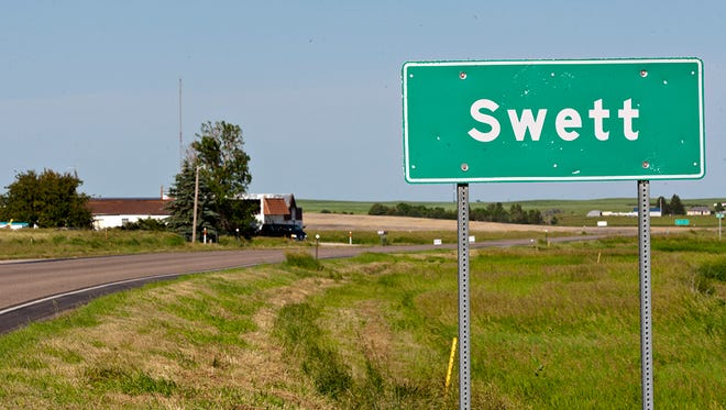 A road marker highlights Swett, S.D.'s small borders.