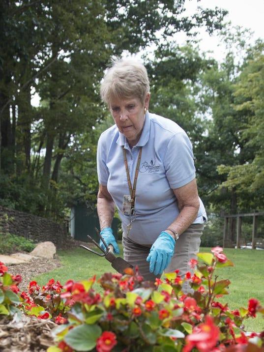 BMN 082715 Ridgecrest gardener 2