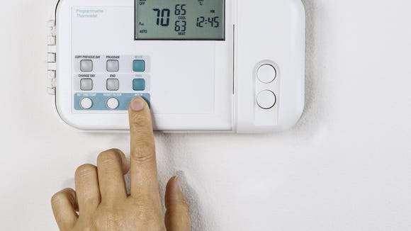 The setting on your thermostat may not mean the same in winter as in summer. Clay Thompson examines this temperature paradox.