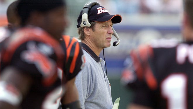 """Dick LeBeau is credited with creating the """"zone blitz"""" defense as the defensive coordinator of the Cincinnati Bengals."""