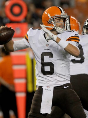 Brian Hoyer was 6-of-8 passing for 69 yards on the Browns' 85-yard first-quarter TD drive.