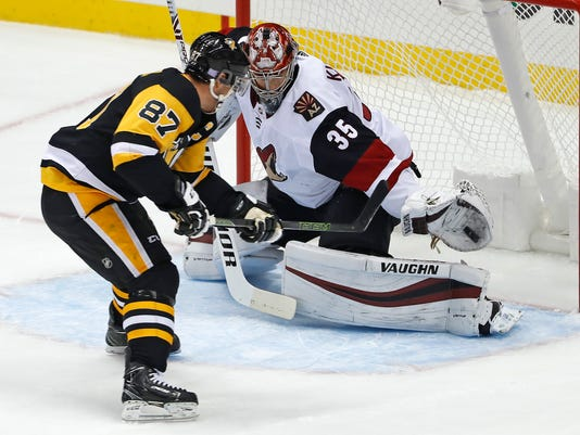 Coyotes_Penguins_Hockey_60716.jpg