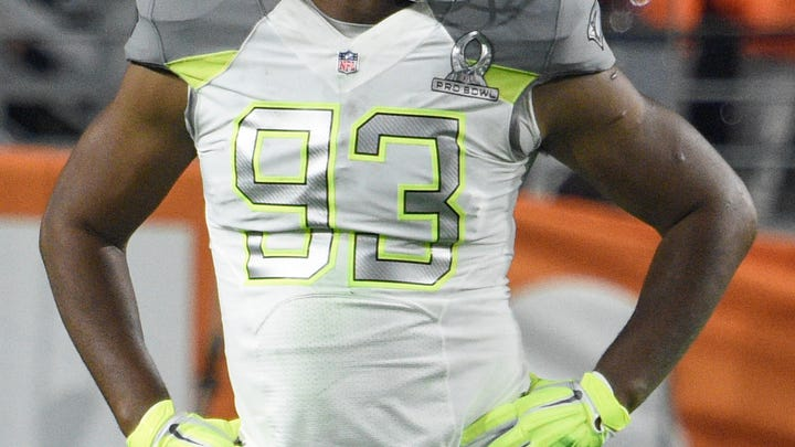 Jan 25, 2015; Phoenix, AZ, USA; Team Carter defensive end Calais Campbell of the Arizona Cardinals (93) in the 2015 Pro Bowl against Team Irvin at University of Phoenix Stadium.