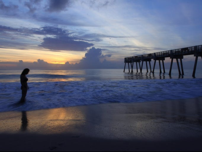 Your take readers 39 stunning sunrises and sunsets for Vero beach fishing pier