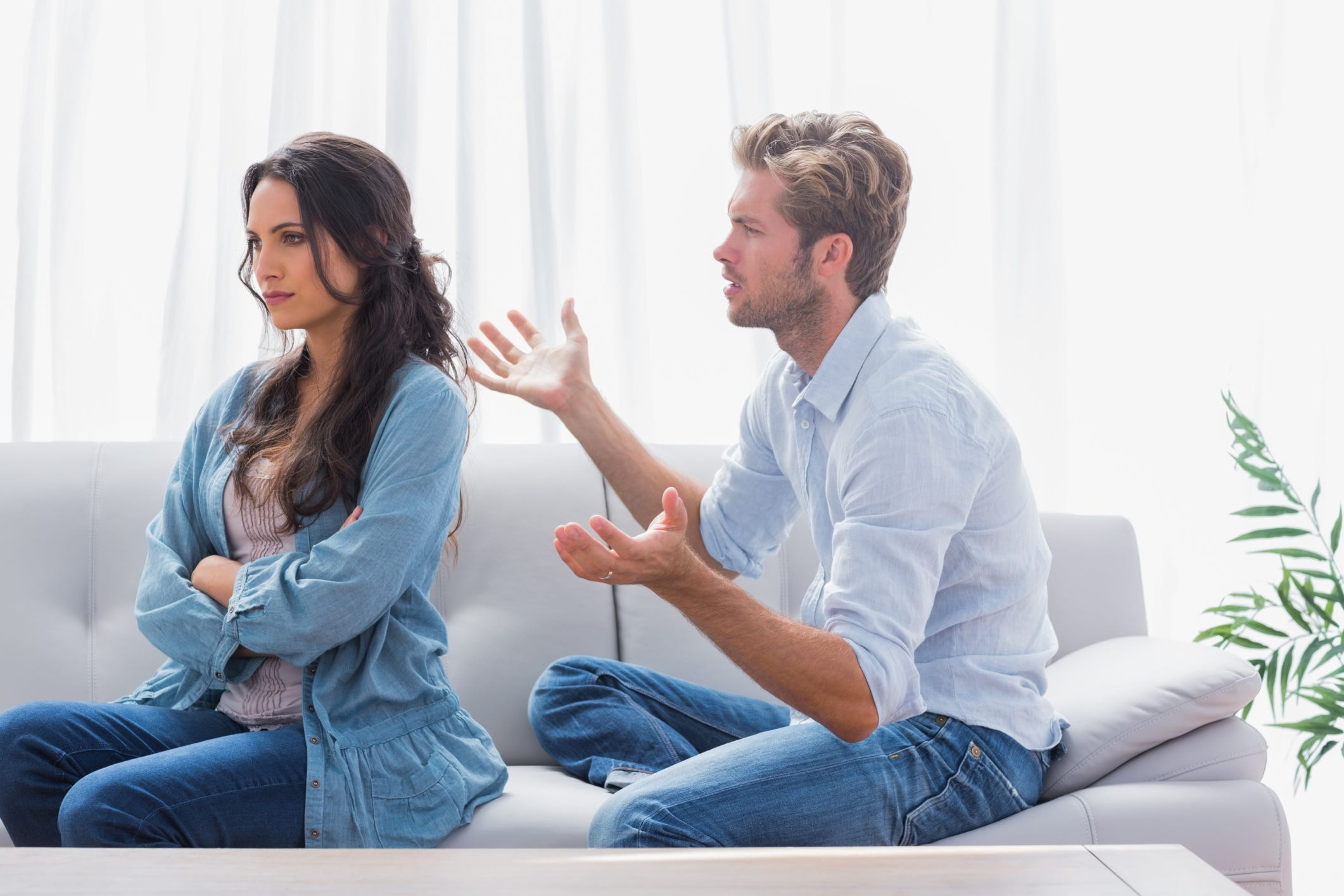 How silent treatment destroying your relationship