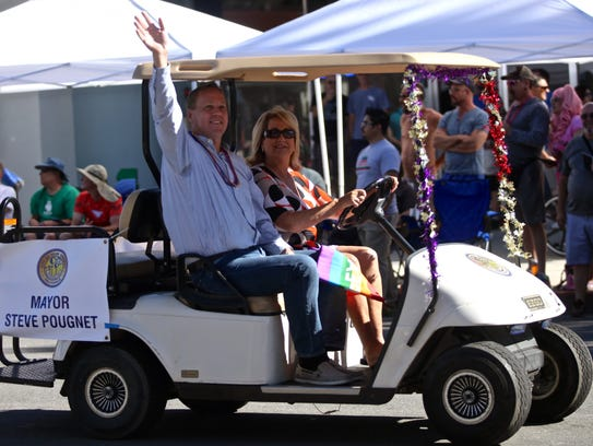 Palm Springs Mayor Steve Pougnet waves to the crowd
