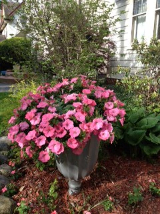 636627535484223487-garden-accessory-3.jpg