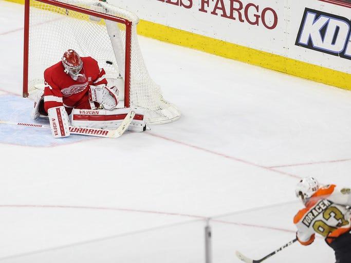 The Philadelphia Flyers' Jakub Voracek scores the overtime