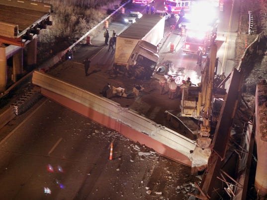 635573151463274724-VIADUCT-COLLAPSE-2