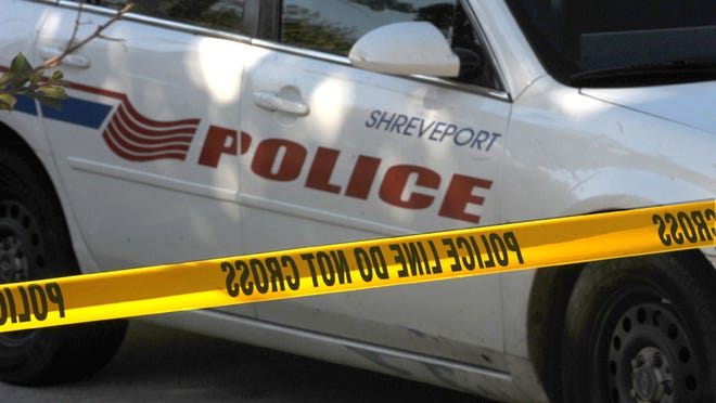 Shreveport police are seeking suspects in a Sunday morning robbery.