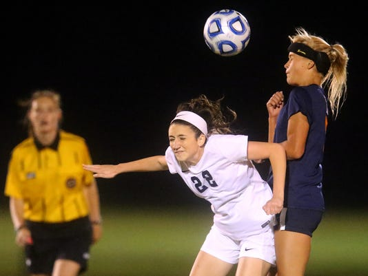 636118284416664836-01--Siegel-vs-Blackman-soccer.jpg
