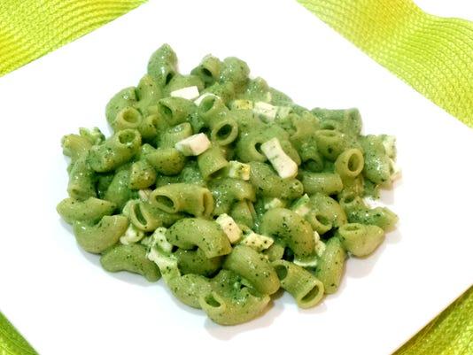 635925256968407637-RECETA-Pasta-corta-en-crema-de-perejil3.jpeg