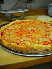 Elidios Pizza, 6714 Central Avenue Pike, Knoxville
