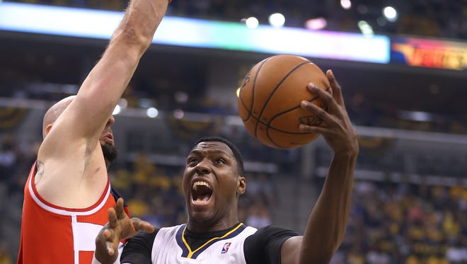Former Pacers center Ian Mahinmi signed with the Washington Wizards on Saturday.
