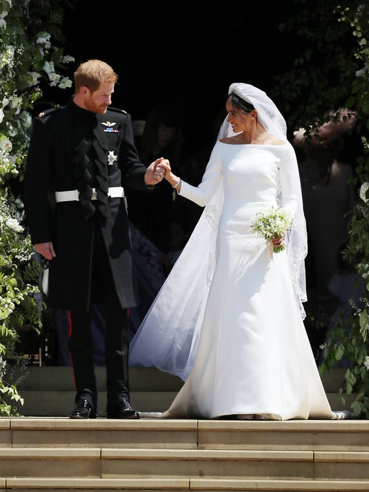 Meghan markles wedding dress is givenchy see the stunning gown gty 960068702 e rye peo gbr junglespirit Image collections
