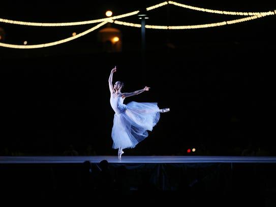 Ballet Arizona performs Ballet Under the Stars every