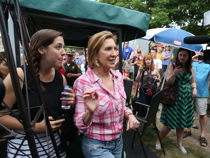 Presidential hopeful, Carly Fiorina makes her way through
