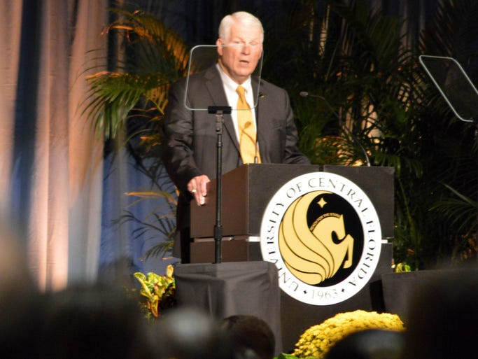 President Hitt speaks during the State of the University